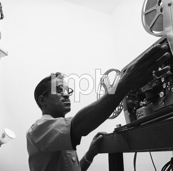 Sammy Davis Jr. at his Hollywood Hills home1960© 1978 Sid Avery - Image 0009_0131