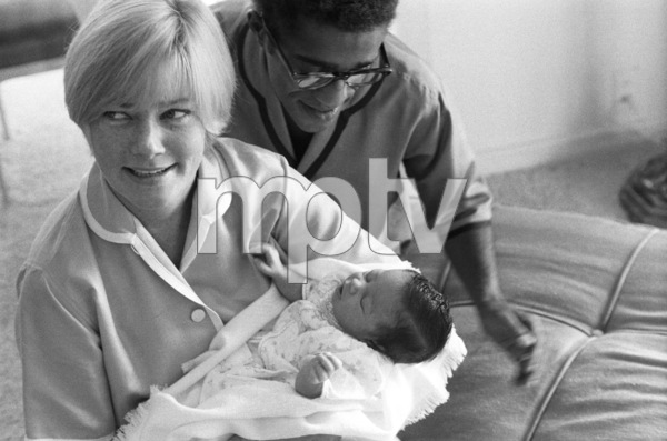 Sammy Davis Jr. with his wife, May Britt, and their daughter, Tracey Davis1961© 1978 Bernie Abramson - Image 0009_2502