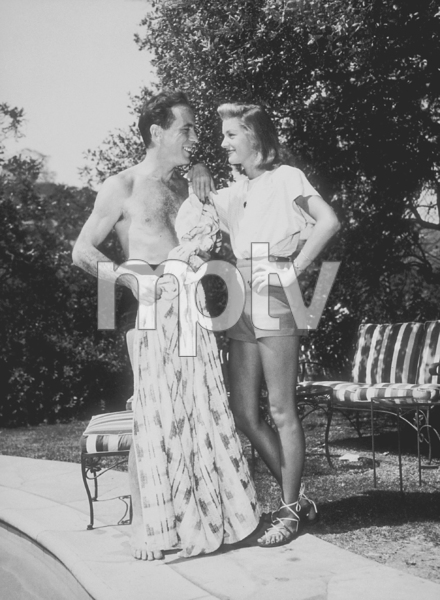 Humphrey Bogart and Lauren Bacall at their Benedict Canyon home, CA, 1947.MPTV - Image 0015_1080