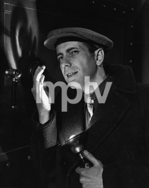 "Humphrey Bogart in ""The Amazing Dr. Clitterhouse"" 1938 ** I.V. - Image 0015_1463"