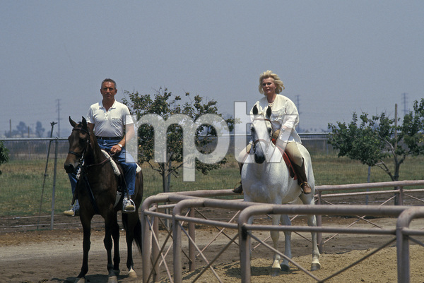 Zsa Zsa Gabor and her husband Prince Frederic von Anhalt1989 © 1989 Gunther - Image 0018_0221