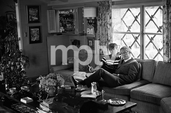 Steve McQueen and wife Neile Adams at home1970 © 1978 Gunther - Image 0019_0912