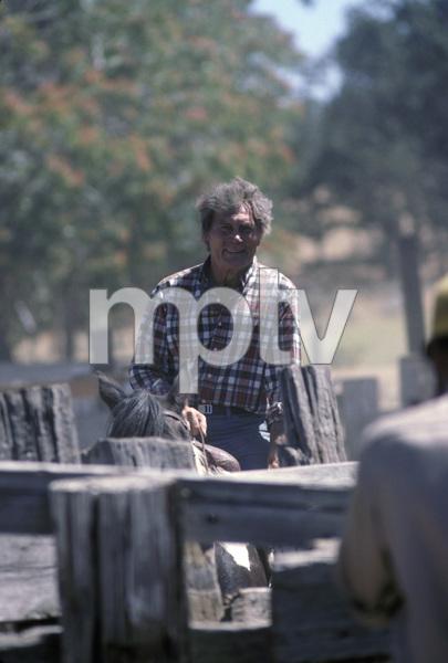 Jack Palance at his ranch near Tehachapi, California1984 © 1984 Gunther - Image 0021_0405