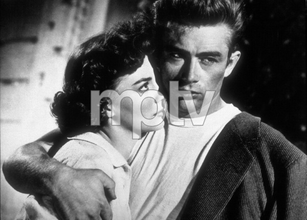 "James Dean and Natalie Wood in ""Rebel Without A Cause.""1955 Warner / MPTV - Image 0024_2121"