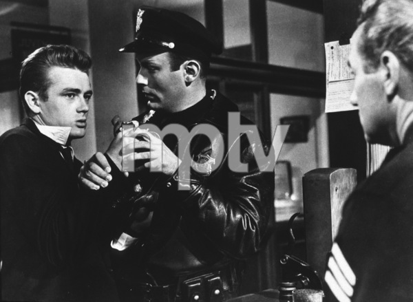 "James Dean in ""Rebel Without A Cause.""1955 Warner / MPTV - Image 0024_2142"