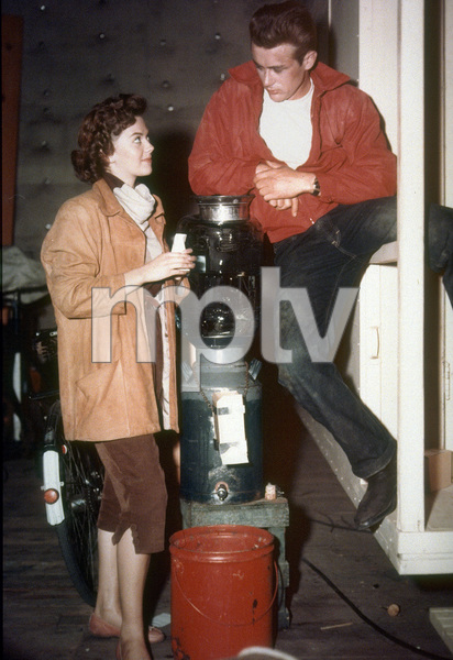 """James Dean and Natalie Woodon the set of """"Rebel Without A Cause.""""1955 Warner / MPTV - Image 0024_2170"""