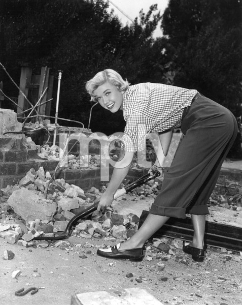 Doris Dayat home circa 1950Photo by Bert Six - Image 0025_2223