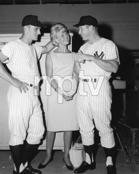 """""""That Touch of Mink""""Roger Maris, Doris Day, Mickey Mantle1962 Universal Pictures** I.V./M.T. - Image 0025_2457"""