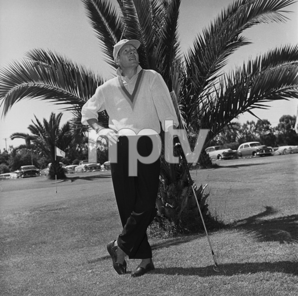 Danny Kaye golfing at Hillcrest Country Club1958 © 1978 Sid