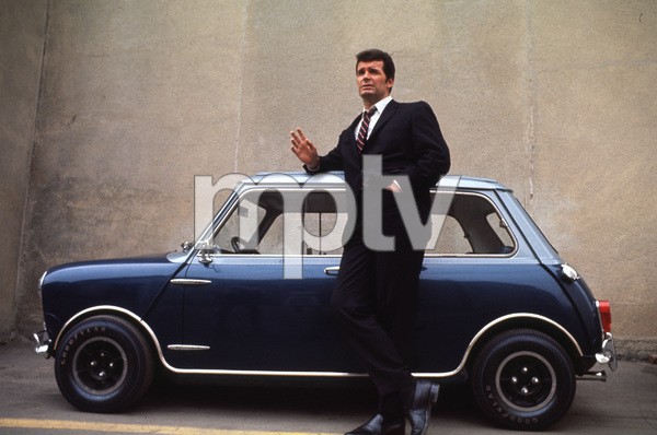 James Garner with his Mini Cooper SC. 1966 © 1978 Gunther - Image 0037_0252