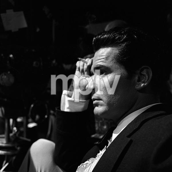 "James Garner on the set of ""Maverick""1958 © 1978 Sid Avery - Image 0037_0797"