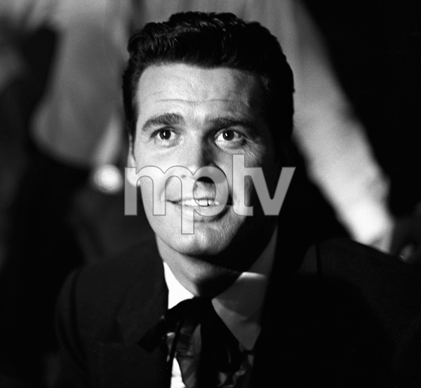 "James Garner on the set of ""Maverick""1958 © 1978 Sid Avery - Image 0037_0800"