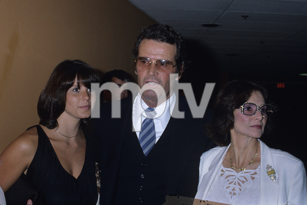 James Garner with daughter Gigi and wife Lois Fleishman Clarkecirca 1980s© 1980 Gary Lewis - Image 0037_0834