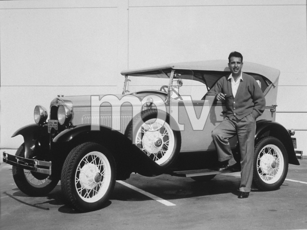 TENNESSE ERNIE FORD WITH HIS 1929  FORD MODEL A DELUXE PHAETON , CIRCA 1956. PHOTO BY GERALD SMITH - Image 0064_0093