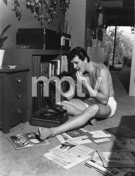 Rock Hudson at his North Hollywood home1952© 1978 Sid Avery - Image 0067_0023