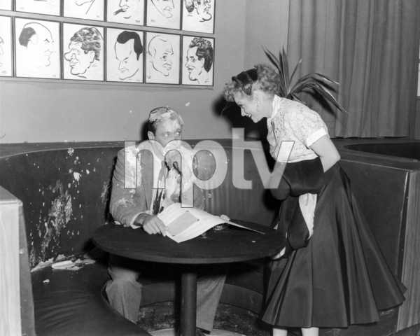 "William Holden and Lucille Ball in ""I Love Lucy"" (Episode: ""L.A. At Last!"")Airdate: February 7, 1955** I.V / M.T. - Image 0069_2188"