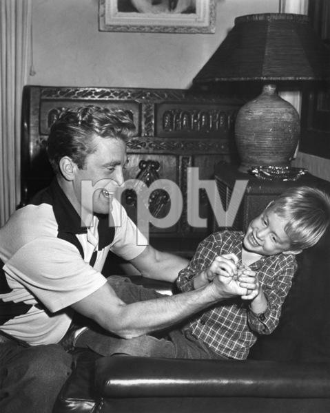 Kirk Douglas with son Michael Douglas1950 - Image 0075_0009