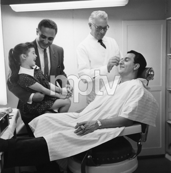 """Danny Thomas with Angela Cartwright and Sheldon Leonard during """"The Danny Thomas Show"""" (aka """"Make Room for Daddy"""")1959© 1978 Sid Avery - Image 0076_0046"""