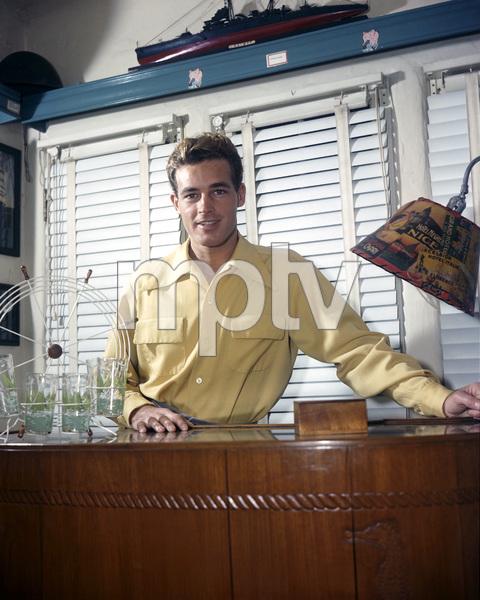 Guy Madisoncirca 1940s** I.V. - Image 0082_0110