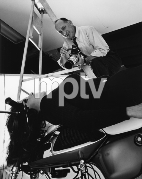 Production Sid Avery shooting an ad with model Michele Carey in his studio 1966© 1978 Sid Avery - Image 0090_1120