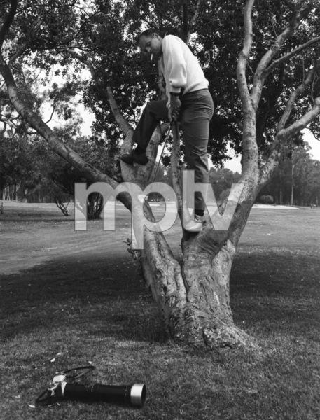 Bob Newhart golfing1961 © 1978 Sid Avery - Image 0092_0087