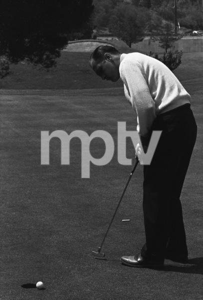 Bob Newhart golfing1961 © 1978 Sid Avery - Image 0092_0228