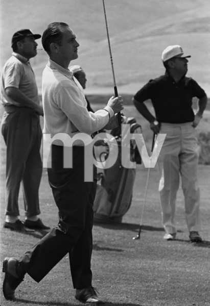Bob Newhart golfing with Tennessee Ernie Ford1961 © 1978 Sid Avery - Image 0092_0230