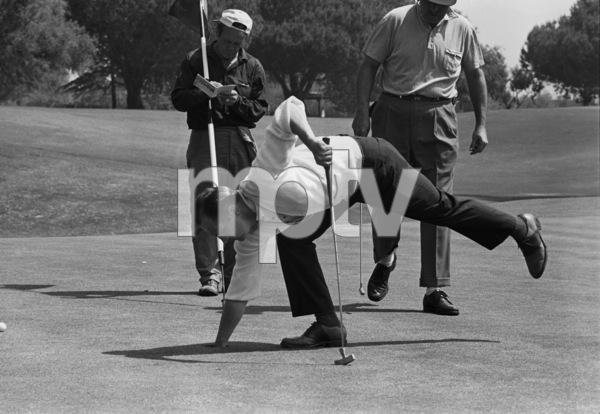 Bob Newhart golfing1961 © 1978 Sid Avery - Image 0092_0234
