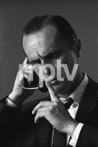 Bob Newhart enacting his telephone operator routine1961© 1978 Sid Avery - Image 0092_1226
