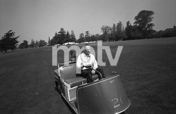 Bob Newhart golfing  1961 © 1978 Sid Avery - Image 0092_1412