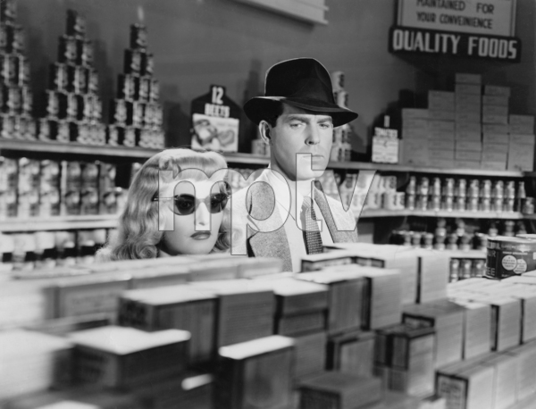 "Barbara Stanwyck and Fred MacMurray in ""Double Indemnity""1944 Paramount Pictures** I.V. - Image 0095_1036"