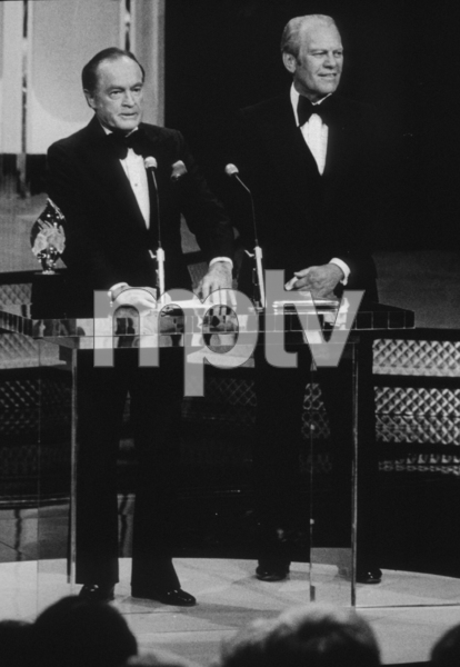 Bob Hope with Gerald FordC. 1975 © 1978 Gabi RonaMPTV - Image 0173_0469