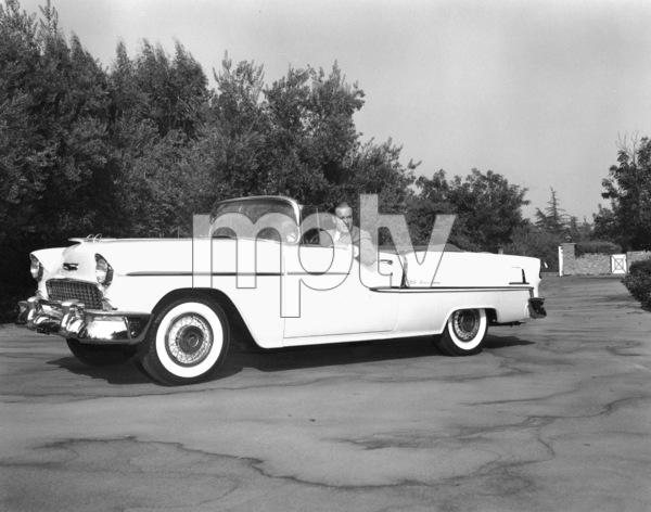 Bob Hope in his Chevy, 9-19-55.**I.V. - Image 0173_0592