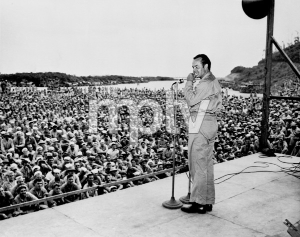 Bob Hope during an OSO tourin New Georgia 1944**I.V. - Image 0173_0617