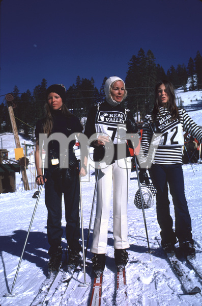 Janet Leigh with daughters Kelly Curtis and Jamie Lee Curtis Skiing at Bear ValleyMarch 1971 © 1978 Gunther - Image 0194_0116