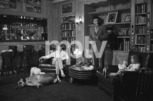 Efrem Zimbalist Jr. at his Encino, CA home with wife Loranda Stephanie Spaulding and daughter Stephanie Zimbalist1961© 1978 Sid Avery - Image 0286_0002