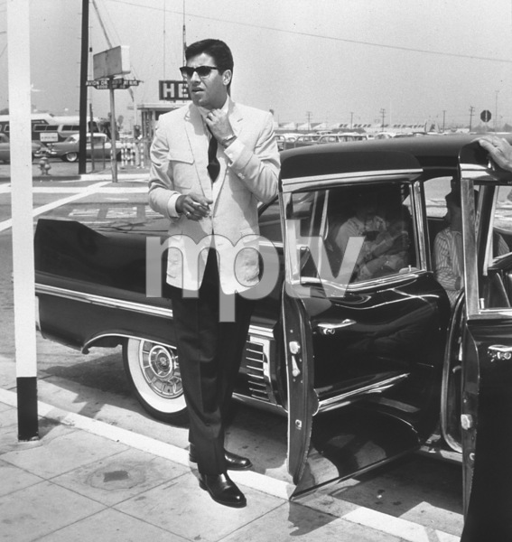 Jerry Lewis returning to LA from a trip to LondonC. 1956  Photo by Bert Mittleman - Image 0292_0470