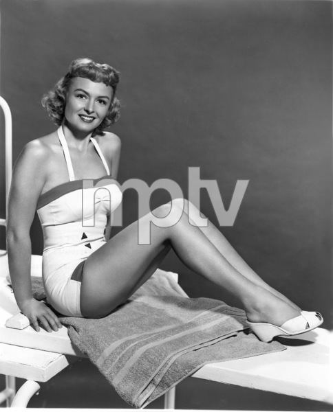 Donna Reed, 1953.Photo by Bert Six - Image 0323_0102