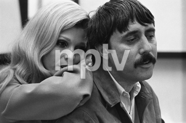 Nancy Sinatra in the studio with Lee Hazlewood during a recording session1968© 1978 Ed Thrasher - Image 0336_0192
