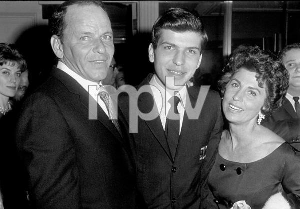 Frank Sinatra with Frank Sinatra Jr. and Nancy 1963 © 1978 David Sutton - Image 0337_0616