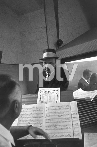 Frank Sinatra at a recording session / c. 1960 © 1978 David Sutton - Image 0337_1122