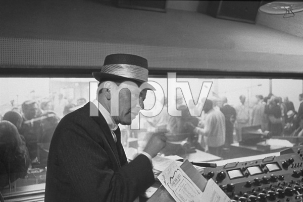 Frank Sinatra at a recording session / 1964 © 1978 David Sutton - Image 0337_1123