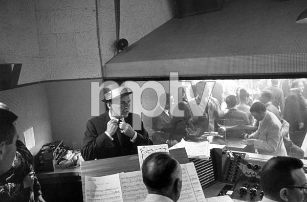 Frank Sinatra at a recording session / 1964 © 1978 David Sutton - Image 0337_1176