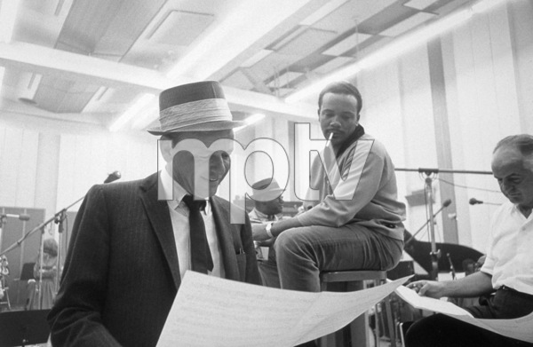 Frank Sinatra and Quincy Jones at a recording session / 1964 © 1978 David Sutton - Image 0337_1250