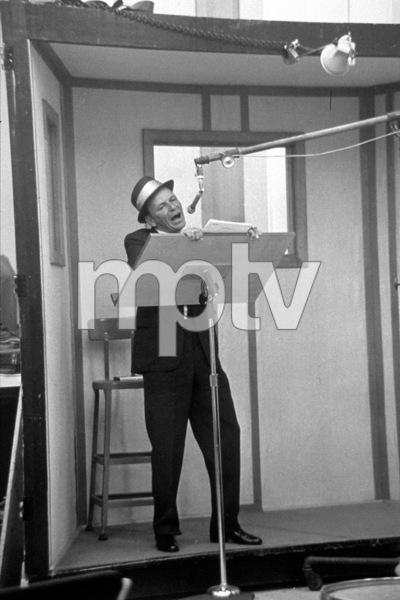 Frank Sinatra at a recording session / 1964 © 1978 David Sutton - Image 0337_1251