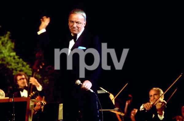 Frank Sinatra performing © 1980 Gunther - Image 0337_1336