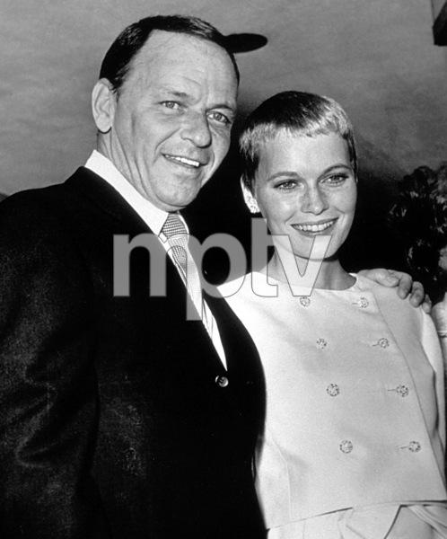Frank Sinatra and new bride Mia Farrow, 1966. © 1978 Gunther - Image 0337_1357