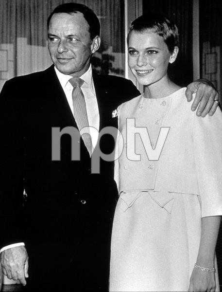 Frank Sinatra and new bride Mia Farrow, 1966. © 1978 Gunther - Image 0337_1389