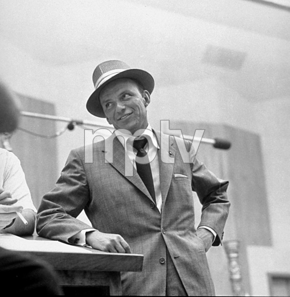 Frank Sinatra c. 1954 Recording Session Capitol Records / © 1978 Sid Avery - Image 0337_1498