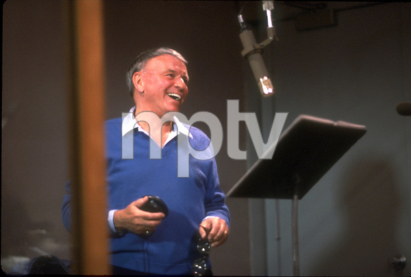 "Frank Sinatra at the Reprise recording session of ""L.A. Is My Lady"" / A&R Studios, New York / 1984 © 1984 Ed Thrasher - Image 0337_1975"